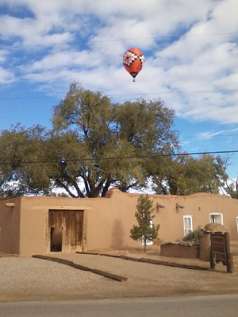 Balloon over Casa San Ysidro