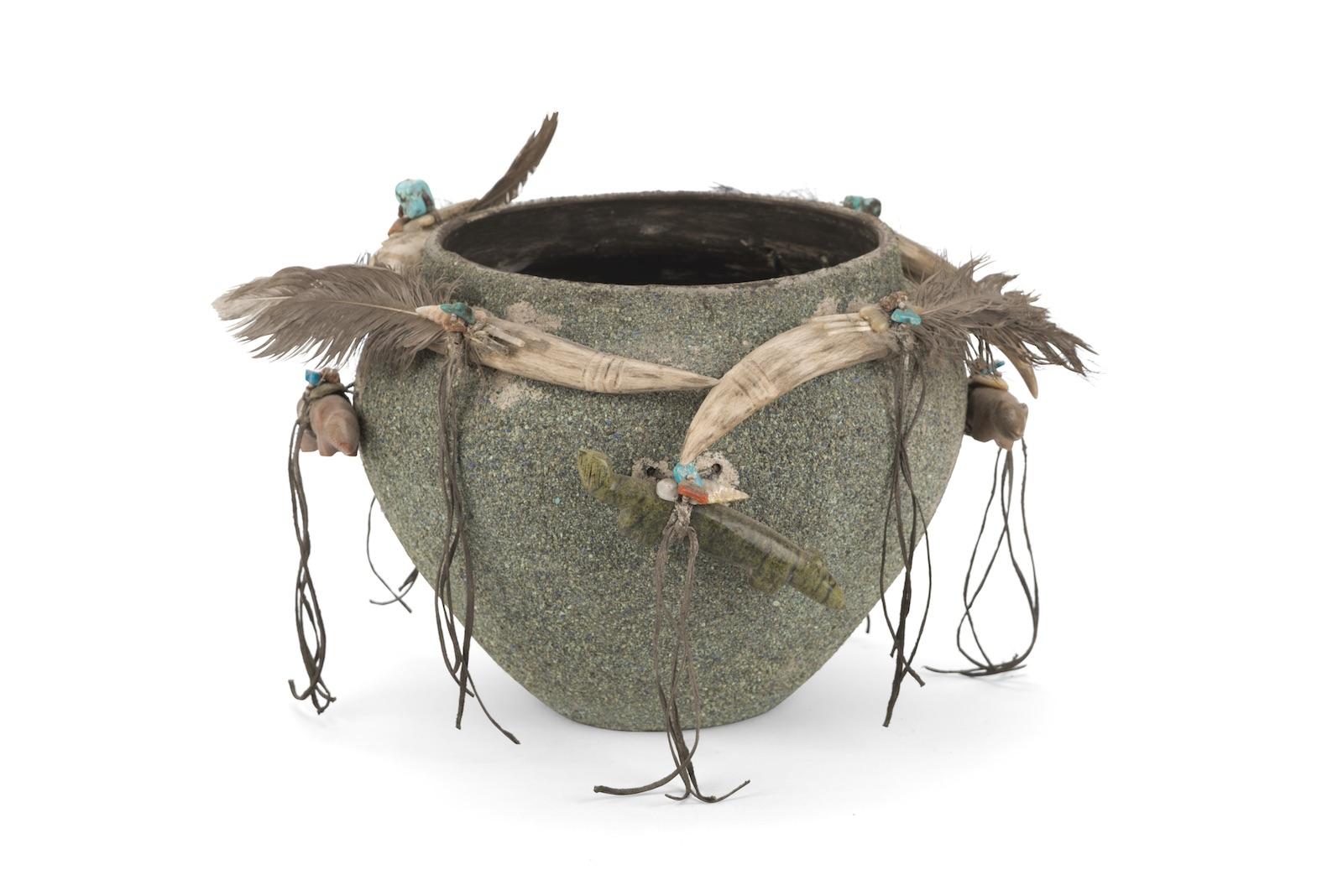 Edna Leki, Fetish Pot