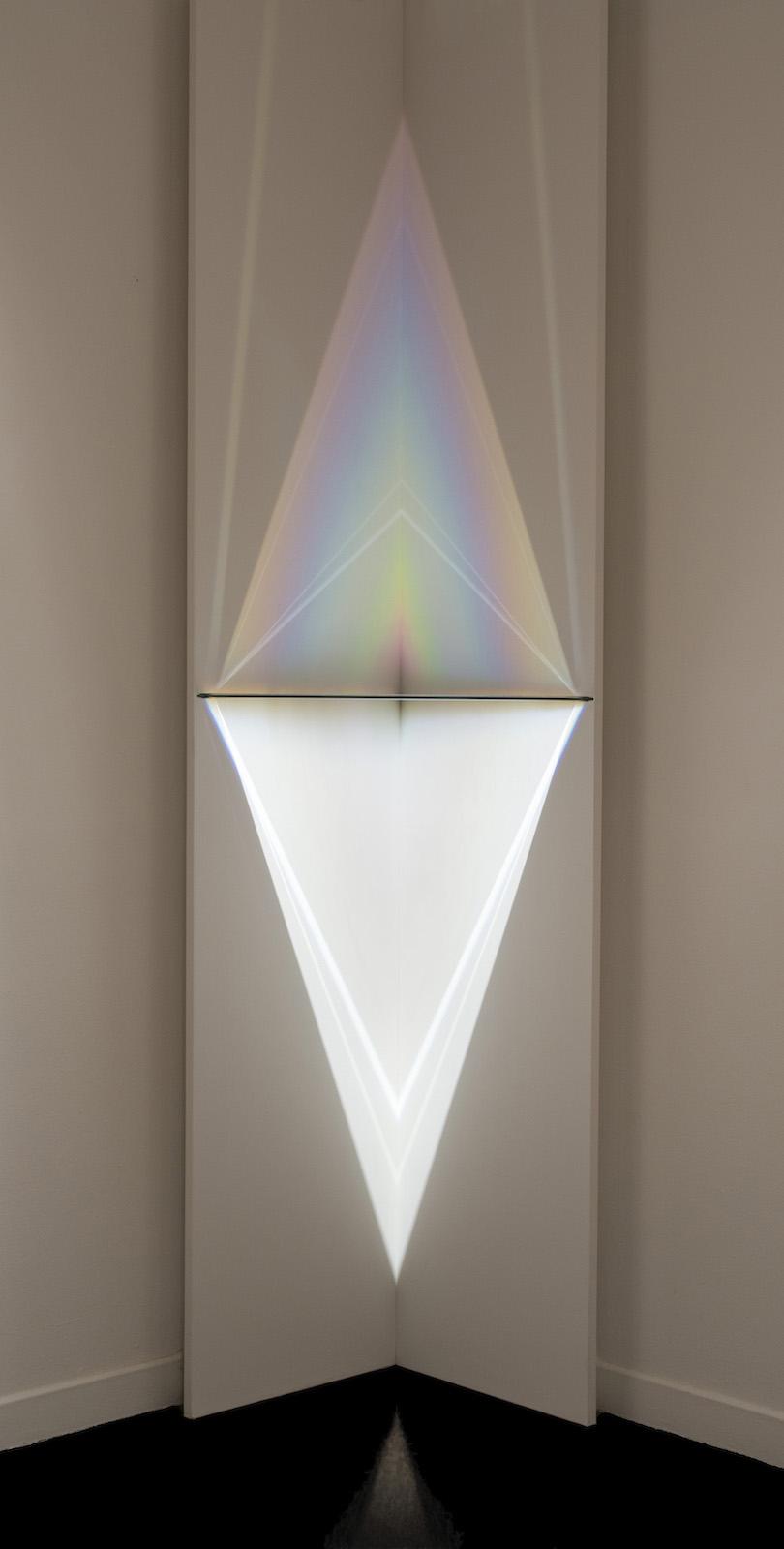 Larry Bell, Corner Lamp