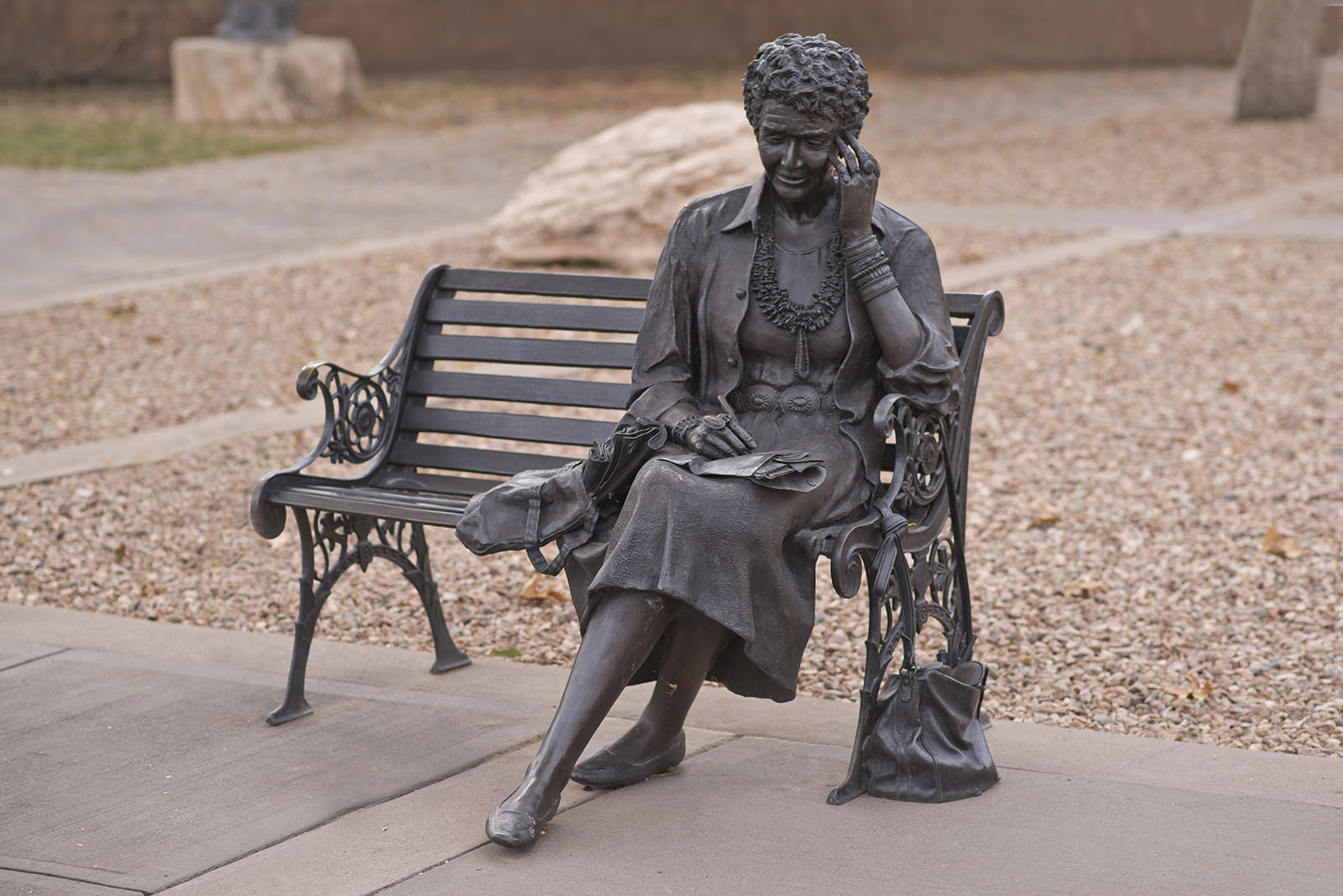 Betty Sabo, Julia Resting
