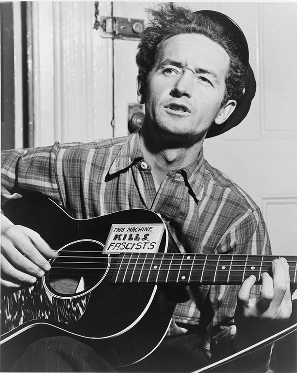 Route 66 - 17 Woody Guthrie