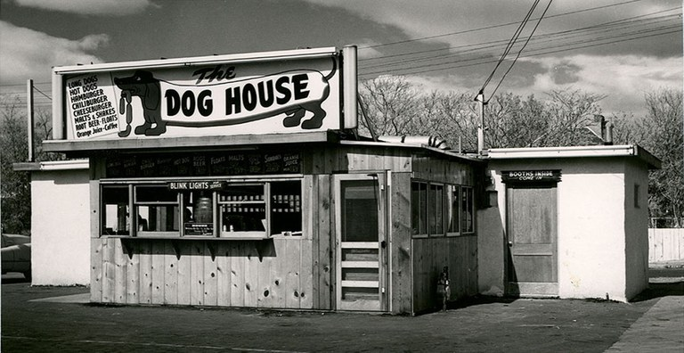 Route 66 - 29 Dog House