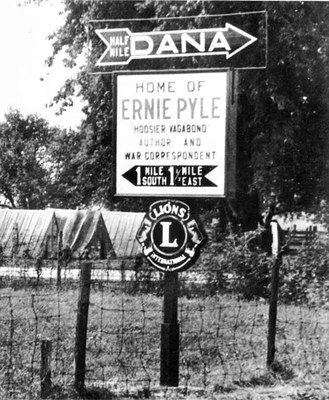 Lions' Club sign in Dana, Indiana, c. 1944, Courtesy Acme Newspictures, Inc. and William Sloane Associates, Inc.