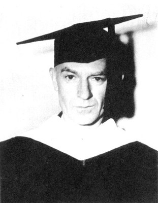 Ernie Pyle wearing doctoral cowl, October 25, 1944, Courtesy Acme Newspictures and William Sloane Associates, Inc.