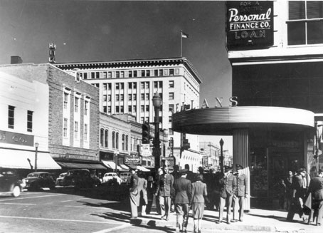 Downtown Albuquerque looking east from 4th Street and Central, February 1943. Photographer: John Collier. Courtesy Library of Congress, Prints and Photographs Division, FSA/OWI Collection, LC-USW3-018813-C