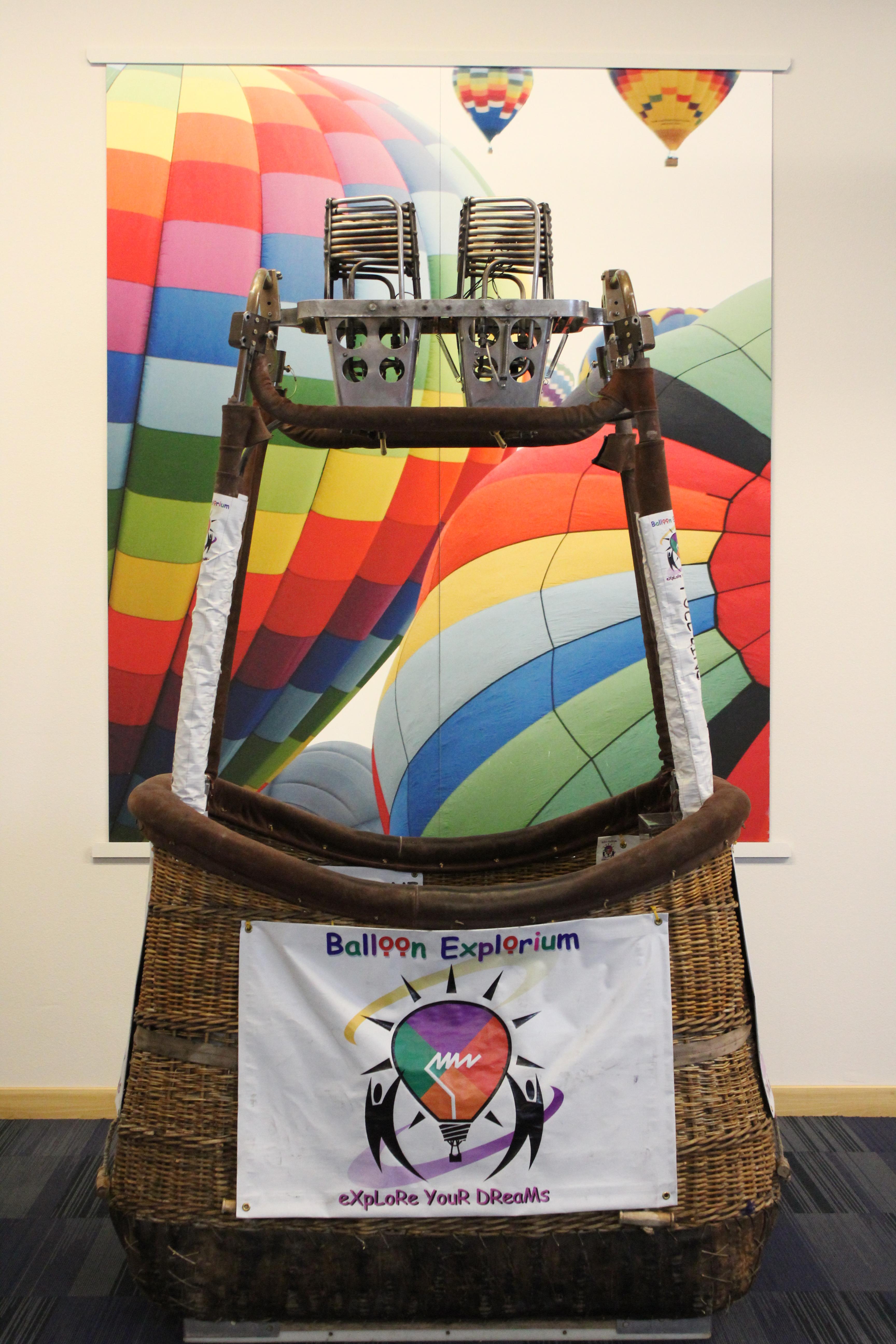 Balloon School Gondola2