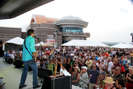 Blues at Blueseum crowd 2012