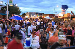 caption:Image of Summerfest goers enjoying a warm 2010 evening in Albuquerque's Nob Hill.
