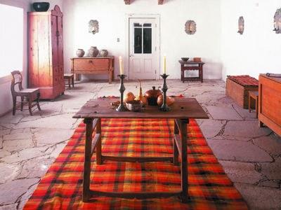 Image of the interior of Casa San Ysidro museum.