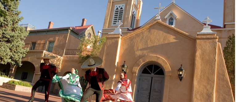 Folklorico Dancing
