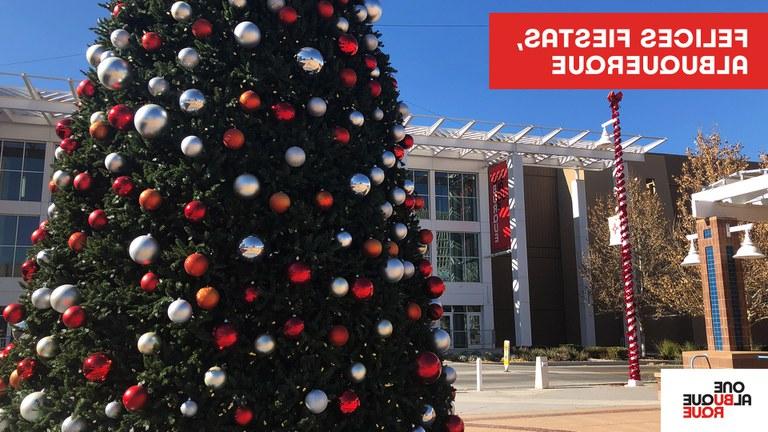 Civic Plaza Holiday Zoom Background - Spanish