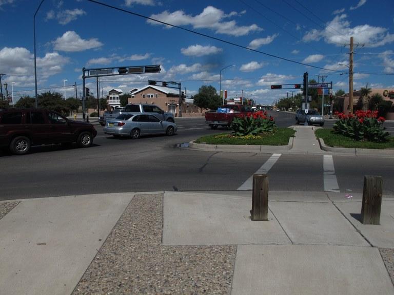 Rio Grande Boulevard and Mountain