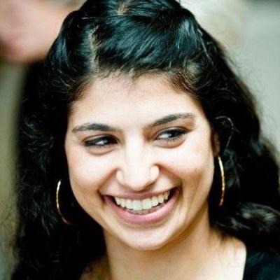 Mara Elana Burstein Headshot