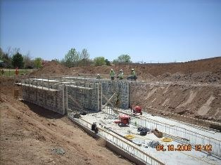 02_early_stages_of_construction-mn.jpg