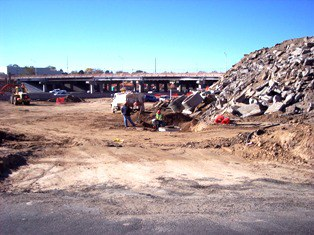02 - San Mateo Pl  storm drain manhole at the I-40 ramp-11-17-08