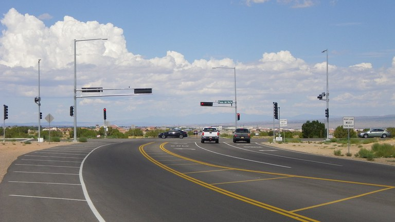 Image of an intersection at Paseo del Norte.