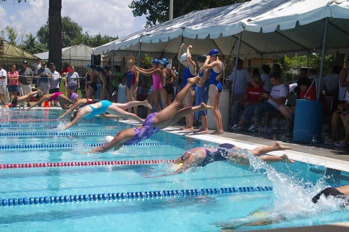 swimteam_000.jpg