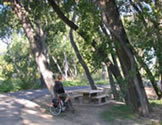 caption:Paseo Del Bosque Trail Central