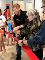 Mayor Keller, Councilor Gibson Celebrate New Los Altos Pool with Community Members