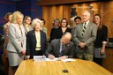 Mayor Richard J. Berry Signs IDO Legislation