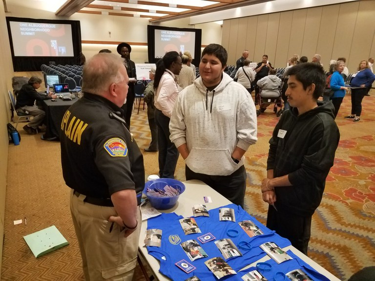APD Chaplain Speaks to Youths at the Albuquerque Convention Center