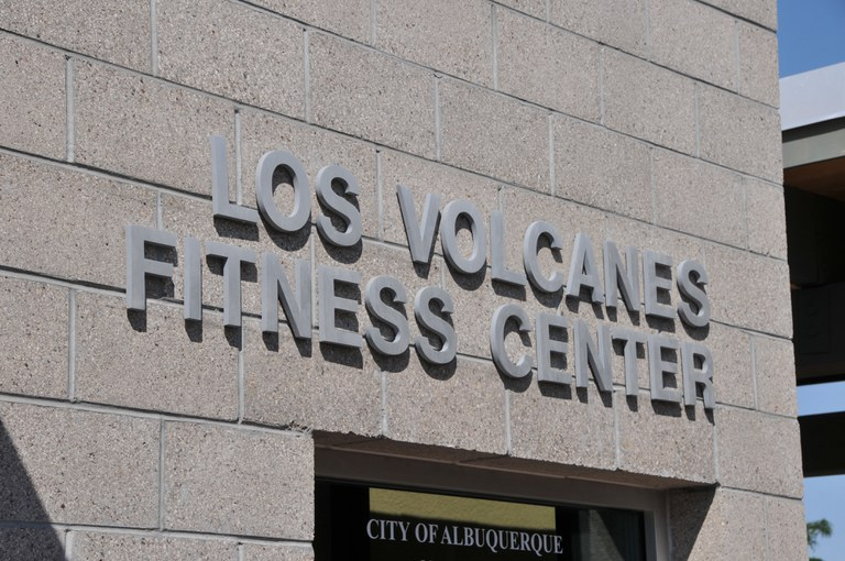 Los Volcanes Fitness Center Sign
