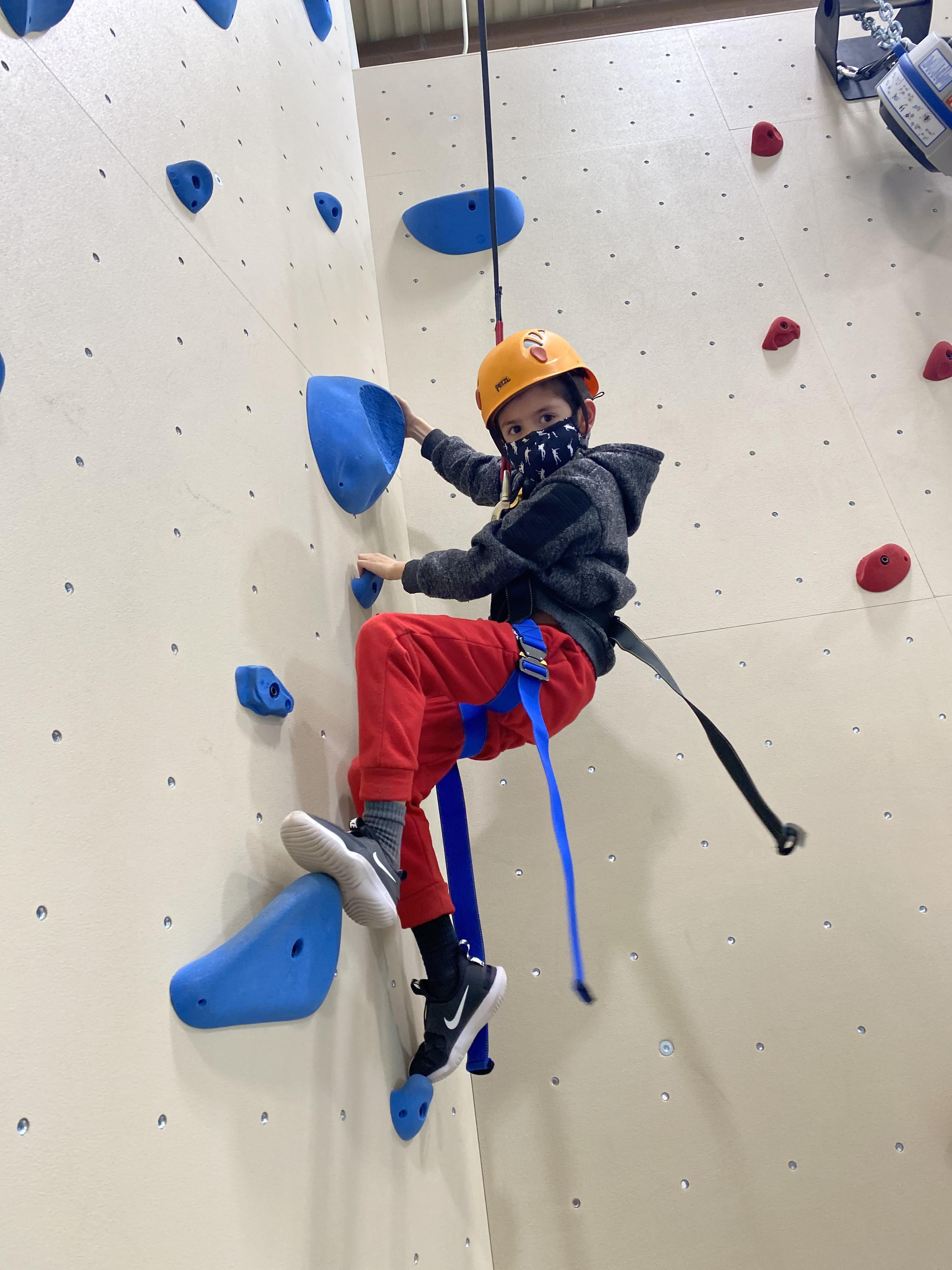 Youth_Rockwall_Climbing_2020-2021