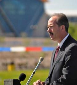 Mayor Berry Speaks at Balloon Fiesta Park
